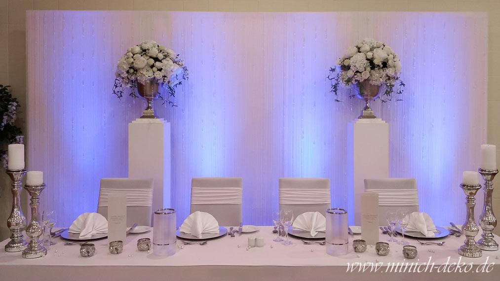 Brautpaartisch-hintergrund-blau in Melle