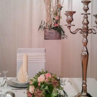 Brauttisch-Hintergrund creme
