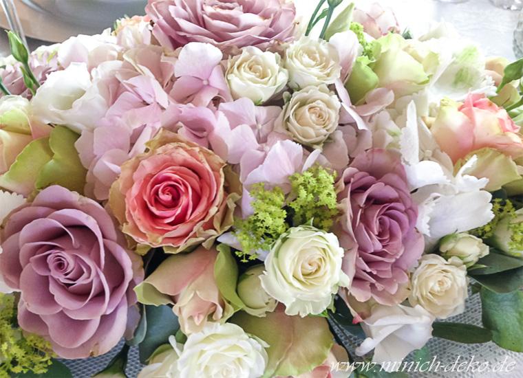 Blumendeko, Blumengesteck, Brauttisch-Schmuck