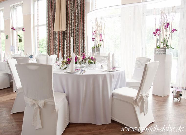 Brauttisch Deko mit Hintergrund
