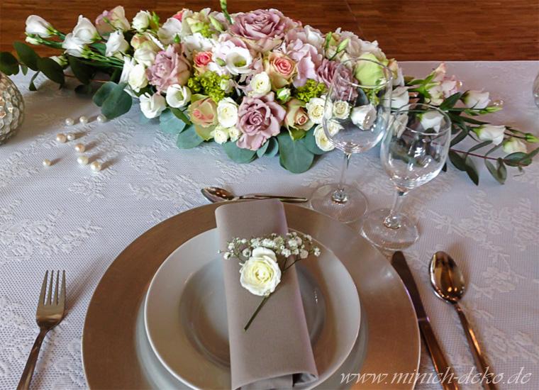 Brauttisch-Dekoration,Blumengesteck flach länglich, Bünde, Herford