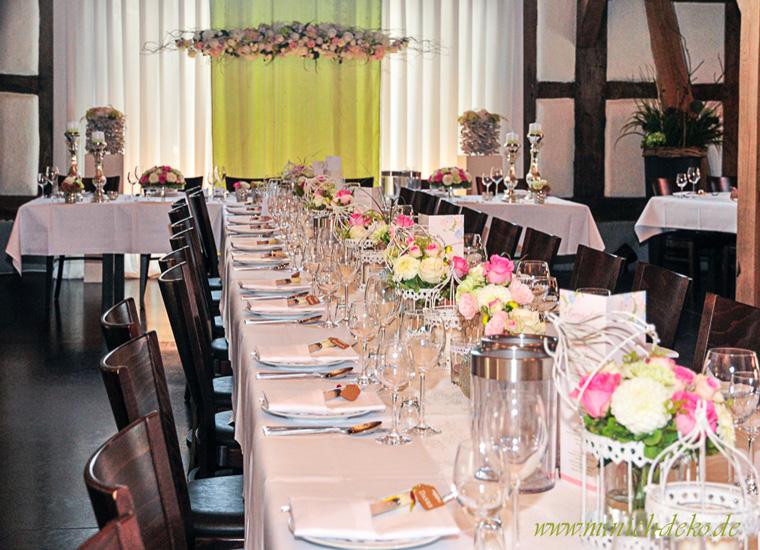 Dekoration Hochzeit Stuhlhussen Und Deko Verleihservice Brauttischdeko