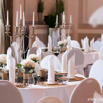 Kerzenleuchter mit Perlenketten 20er Jahre Stil leihen
